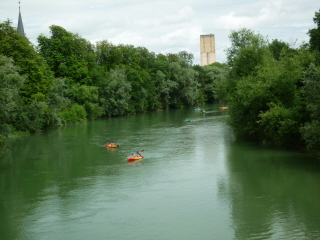 Tours sur Marne kids kayaking