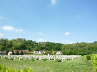 Vailly military cemeteries